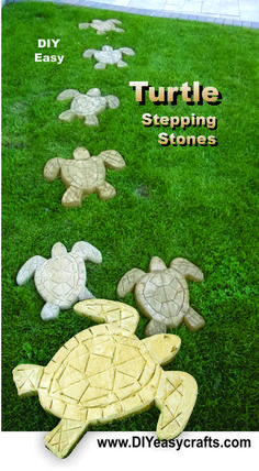 How to make Turtle Stepping Stones. Now you can easily make a mold for these turtle shaped cement stepping stones. Create a unique nautical themed pathway or. Concrete Crafts, Concrete Art, Garden Crafts, Garden Projects, Grill Garden, Comida De Halloween Ideas, Garden Stepping Stones, Stepping Stone Molds, Concrete Stepping Stones