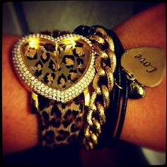 Guess leopard print watch, just the right arm candy for me! Jewelry Accessories, Fashion Accessories, The Bling Ring, Bling Bling, Fancy, Cheetah Print, Leopard Prints, Leopard Spots, Swagg