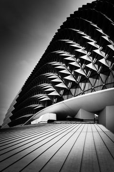 Stunning Black and White Photography of Global Architecture by photographer Maik Lipp - My Modern Metropolis Futuristic Architecture, Architecture Photo, Contemporary Architecture, Santiago Calatrava, Frank Gehry, Modern Metropolis, Frank Lloyd Wright, Album Photo, Construction