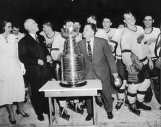 Jimmy Skinner gets ready to plant one on the Stanley Cup, 1955 Bruce Bennett, Stanley Cup Champions, Red Wings Hockey, Got Game, Detroit Red Wings, Ice Hockey, Country Music, Nhl, Photo Galleries