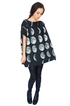 Galaxy printed cotton jersey top featuring real images of the moon in its different phases. 100% Cotton jersey.