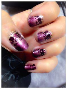 Nail design, nail art, purple and gold Opi