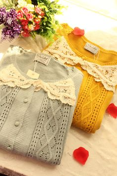 I like the cable and lace argyle, but there's some lace overkill going on here. My Unique Style, My Style, Granny Chic, Mori Girl, Dress Me Up, Pretty Outfits, Crochet, Winter Fashion, Vintage Fashion