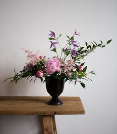 Flower workshop by Hanna Piippo and minutes.fi // Flower arrangement and photo by Maiju Uusi-Simola