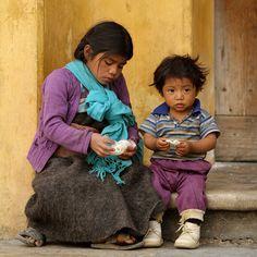 Vivir en México Dos Pequeños en las Calles de San Cristobal de las Casas, Chiapas. México