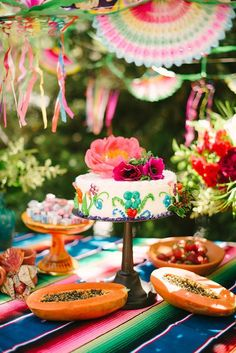 mexican party wedding cake / http://www.himisspuff.com/colorful-mexican-festive-wedding-ideas/7/