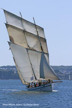La Granvillaise | Bisquine de Granville | http://www.chasse-maree.com/numeros-51-a-100/1090-chasse-maree-n-90.html