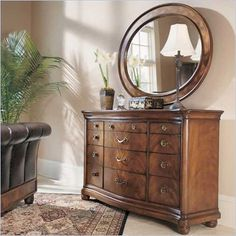 Beautiful dresser and mirror