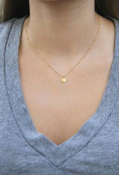 Gold Coin Necklace Dainty Gold Necklace by WanderandLustJewelry Gold Disc Necklace, Gold Necklace Simple, Dainty Necklace, Stone Necklace, Metal Necklaces, Bar Necklace, Gold Chain Design, Accesorios Casual, Minimalist Necklace