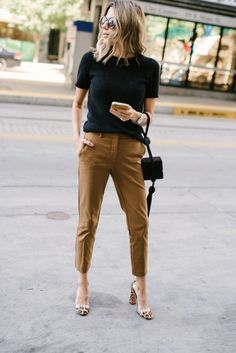 52 Stylish Work Outfits Ideas for Women Fashionable If you own a knack of wearin. - 52 Stylish Work Outfits Ideas for Women Fashionable If you own a knack of wearing smart office outf - Stylish Work Outfits, Summer Work Outfits, Office Outfits, Work Casual, Spring Outfits, Stylish Tops, Summer Work Wardrobe, Summer Business Casual Outfits, Casual Office