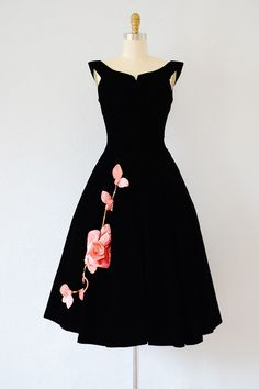vintage 1950s black velvet party dress with pink roses | vintage 50s full skirt