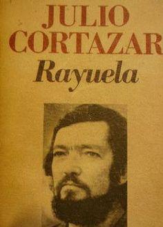 Lo recomiendo.  «De alguna manera es la experiencia de toda una vida y la tentativa de llevarla a la escritura», Cortázar.