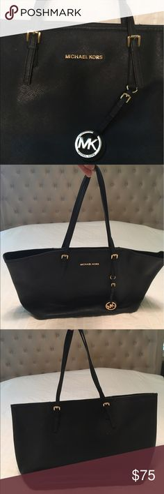 Authentic Michael Kors Jet Set Travel Tote Gently Used Black Michael Kors Bag (Tote) W/ Dustbag Michael Kors Bags Shoulder Bags