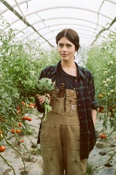CONTENT: The Lay of the Land. A gardening portfolio on women who use gardening to switch off, relax or as a side career. Interview and video profile. Gardening instructionals weaved in to shoots and Editorial stories