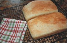 Homemade Easy Bread - no better smell to fill the whole house with than fresh bread.