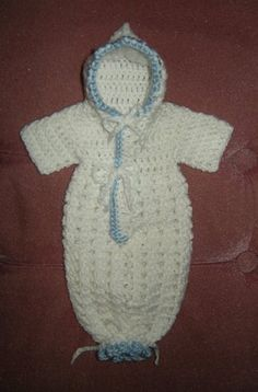 > For this pattern I used baby yarn and an f hook,  You will need a main color and a trim color.  Fits 2-3 lbs  With MC, CH ...