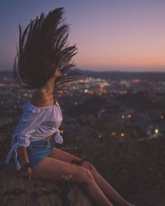 478 Likes 49 Commen Poses Photo, Picture Poses, Picture Ideas, Girl Photography Poses, Creative Photography, Macro Photography, Vintage Photography, Animal Photography, Pinterest Photography