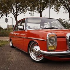 Classic Car News – Classic Car News Pics And Videos From Around The World Mercedes 220, Mercedes W114, Mercedes Benz Cars, M Benz, Daimler Benz, Lux Cars, Old School Cars, Classic Mercedes, Dream Cars