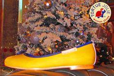 Christmas Colors  #FreshLiving #TortueJolie #XmasStyle #WomanShoes #PremiumShoes #UrbanStyle #StreetStyle #FashionBlogger #FashionLadies #Bailarinas #ShoeLover #ShoeLovers #WinterStyle #Piestureo #TeenSpirit #XmasSpirit #Christmas #madeinspain