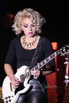 Ladies Of Metal, Heavy Metal Girl, Bonnie Tyler, Women Of Rock, Rocker Girl, Guitar Girl, Female Guitarist, Blues Artists, Music Photo
