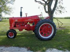 Restored 1956 Farmall 400 tractor with power steering and fast hitch for sale