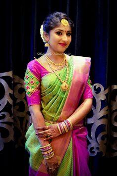 South Indian Bridal Makeup Eye Jewelry New Ideas Pattu Saree Blouse Designs, Blouse Designs Silk, Bridal Blouse Designs, Mode Bollywood, Indian Silk Sarees, Indian Blouse, Sumo, Blouse Models, Indian Designer Wear