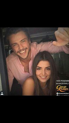 Güneşin Kızları Hayat And Murat, Pole Star, Cute Love Couple, Hande Ercel, Pakistani Actress, Turkish Actors, Celebs, Celebrities, Character Inspiration