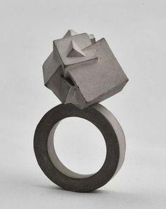 Mareike Kanafani - Ring in concrete, 2014