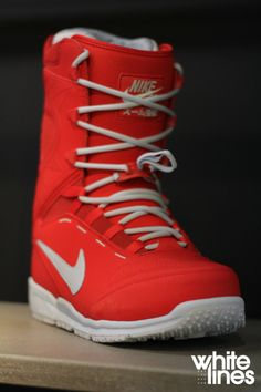 2015 Nike Kaiju Snowboard Boots, Red and White
