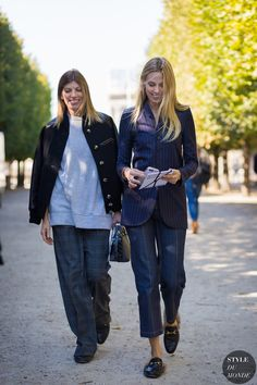 Virginia Smith and Selby Drummond Street Style Street Fashion Streetsnaps by STYLEDUMONDE Street Style Fashion Photography