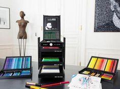 Karl Lagerfeld Rilis Pensil Warna Mewah yang Diproduksi Terbatas