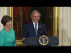 WATCH: George W. Bush Returns to White House, CRUSHES Obama's Ego... in a Classy Way! - The Political Insider