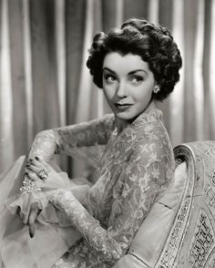 Marsha Hunt, 1943. Looks a little like Ida Lupino.