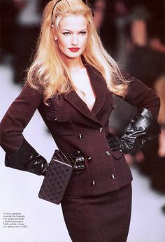 karen-mulder:  Chanel (mid 90s)Model: Karen Mulder