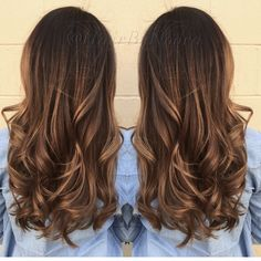 Caramel light golden brown hi Lites ombré sombre Balayage wavy layer hair style