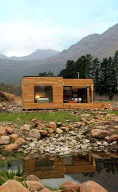 The Ecomo Home,Courtesy of Pietro Russo. Id live in this while i built my home!