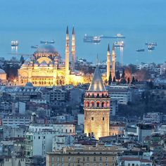 Turkey Travel, Kirchen, Light Art, Islamic Art, Paris Skyline, Taj Mahal, Beautiful Places, Places To Visit, Europe