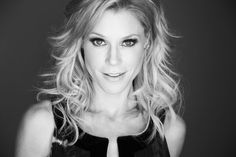 Julie Bowen plays the mother of three in Modern Family. Her control issues are funny, but we have to admit that Claire gets the job done, right?