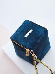 Bolso cubo Eugenia *TERCIOPELO* · Azul Marino