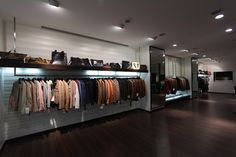 One of the flourishing leather manufacturing company which offers genuine leather products like leather jackets for men, leather jackets for women & designer bags for women etc.