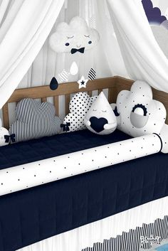 O conforto e a fofura do Kit Berço Nuvem de Algodão Azul Marinho vão proteger… The comfort and cuteness of the Navy Blue Cotton Cloud Crib Kit will protect and snuggle your baby during nap and play time. Baby Boy Room Decor, Baby Bedroom, Baby Boy Rooms, Baby Boy Nurseries, Baby Cribs, Nursery Room, Kids Bedroom, Baby Beds, Babies Nursery