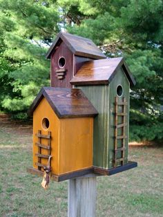 Diy bird house & bird feeder plans that will make your garden perfect 37 - Smart Women Life Bird Feeder Plans, Bird House Feeder, Bird Feeders, Bird House Plans, Bird House Kits, Birdhouse Designs, Bird Houses Diy, Wood Bird, Kit Homes