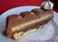 Bonjour! On commence l'année avec le dessert du réveillon (comment ça vous avez pas encore digéré le réveillon?? allez, ça glisse tout seul ;) ) Nous avons ici une base de biscuit aux amandes…