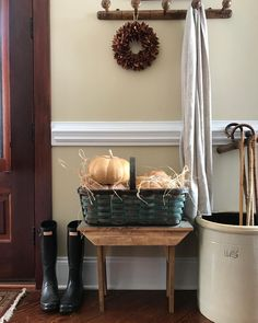 """105 Likes, 12 Comments - Sweet Carolina Belles (@sweetcarolinabelles) on Instagram: """"I am a huge fan of FALL AND of baskets and large containers to hold STUFF! The old 12 gallon crock…"""""""