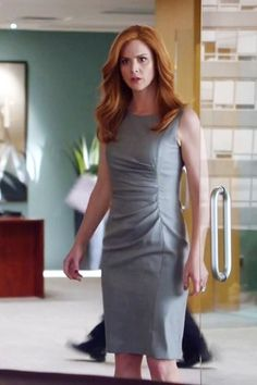 suits tv show fashion House & Garden house and garden magazine usa Lawyer Fashion, Office Fashion, Work Fashion, Business Outfits, Business Attire, Office Outfits, Donna Suits, Donna Paulsen, Suits Tv Shows