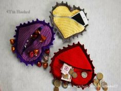 Crochet Heart Coin Purse Pattern from @I'm Hooked