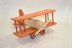 Avión de juguete de madera. por Stastoys en Etsy