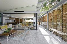 Room for reflection: Avoca Beach House   ArchitectureAU