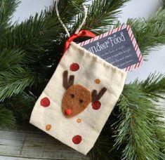 Reindeer Food Christmas Ornament Crafts for Kids | Such sweet Christmas craft ideas for kids.