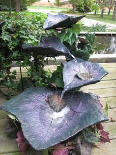 Discover thousands of images about leaf fountain Concrete Yard, Concrete Crafts, Concrete Planters, Indoor Waterfall, Garden Waterfall, Garden Crafts, Garden Projects, Garden Fountains, Outdoor Fountains
